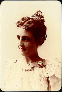 April Clemens, CA, 'Leila Goodall 1894'
