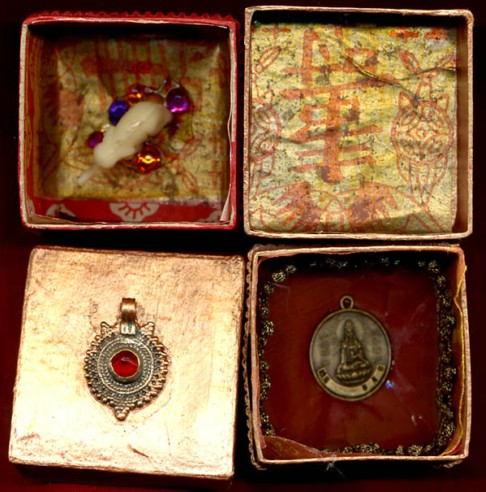 Sylvia Mahony CA, decorated papier mach� Indian boxes, insides