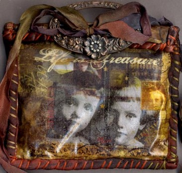 Gillian Allen, UK. Vintage purse