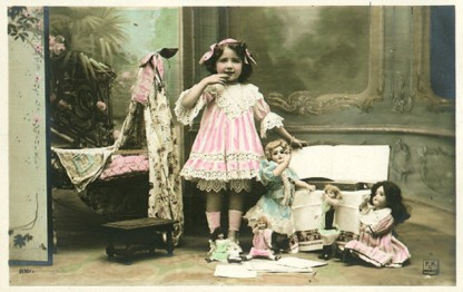 Vintage Images Children/girl with dolls