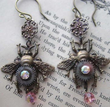 Earrings Mechanical bee ANTIQUE glass beads